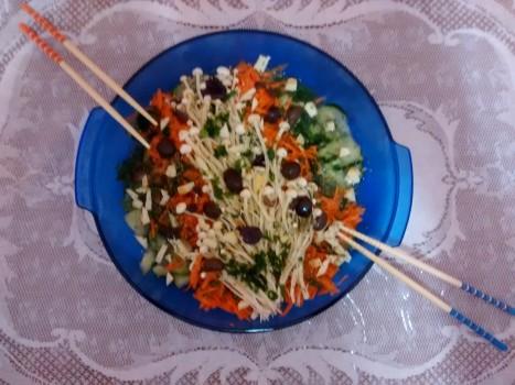 Salada de Cogumelo Enoki com Pepino e Cenoura   Renata Nunes Zila