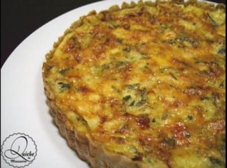 Torta de gorgonzola com massa de nozes