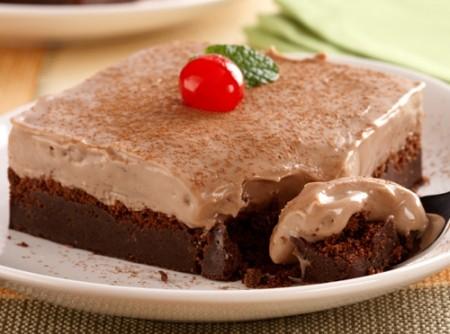 Torta Cremosa de Chocolate Meio-Amargo