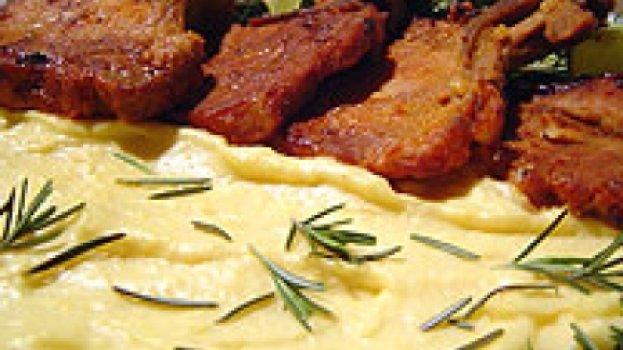 Bisteca com Molho de Maracujá e Creme de Milho