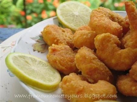 Camarão empanado (popcorn shrimp)