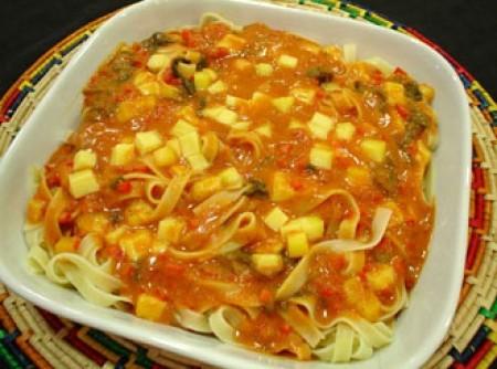 Talharim ao Molho de Tomate e Espinafre | Selma da Silva Lopes