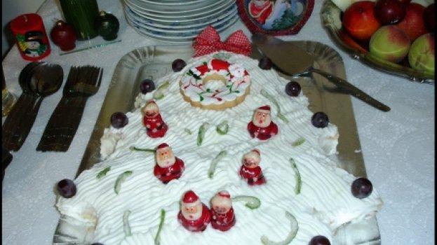 Bolo de Natal com Chantilly e Pêssego