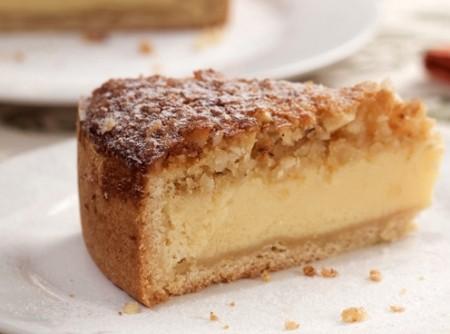 Torta com Recheio de Leite Condensado e Biscoito