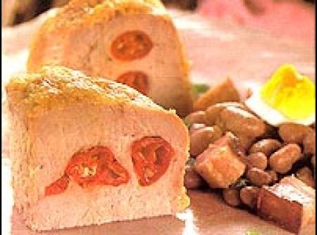 Lombo de porco assado com feijão e toucinho defumado