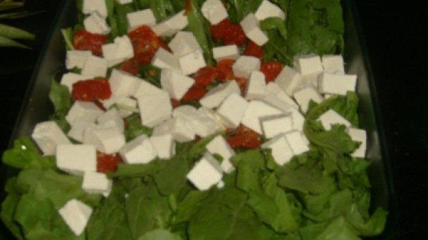 Salada de Rúcula com Tomate Seco