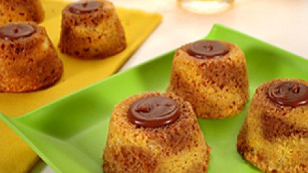 Minibolo Recheado com Chocolate e Doce de Leite