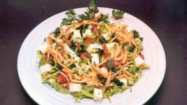 Salada de Alface com Queijo