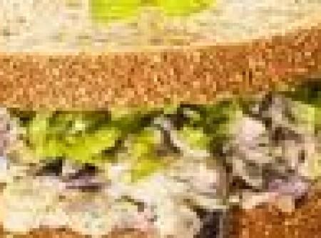 Sanduiche com berinjela e hortelã