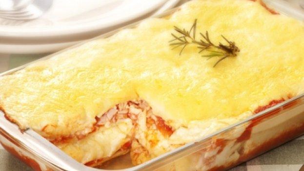 Lasanha Mista de frango, presunto e queijo