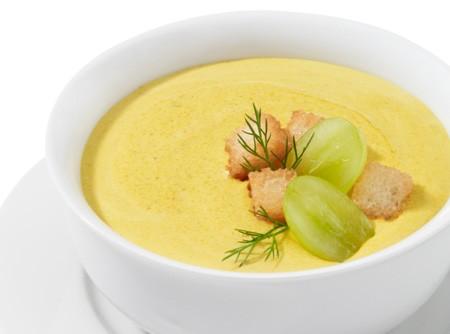 Sopa de coco com curry