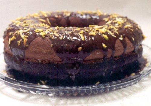 Bolo de Chocolate com Casca de Laranja