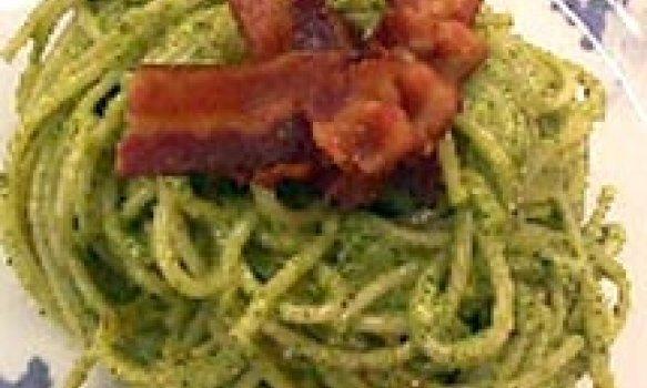 Espaguete com Molho de Agrião