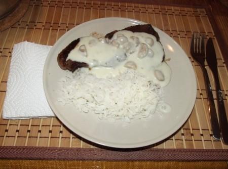 Picanha ao Molho de Gorgonzola com Champignon