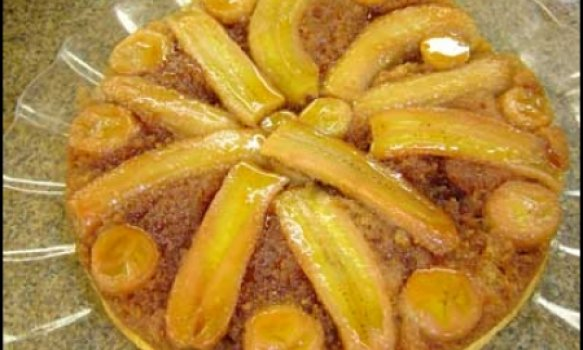 Torta de banana caramelizada