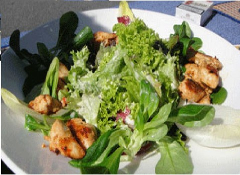 Salada Completa de Frango