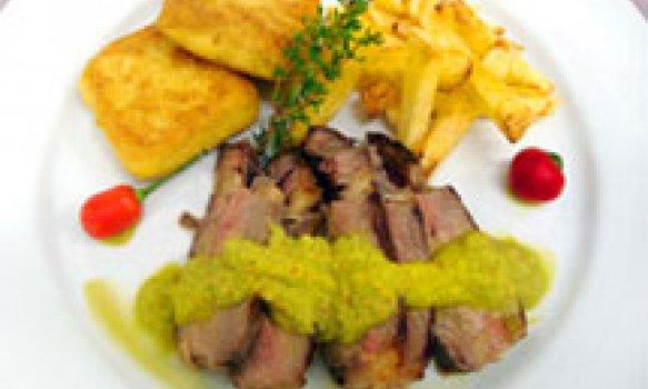 Bifes de Chorizo com Chimichurri