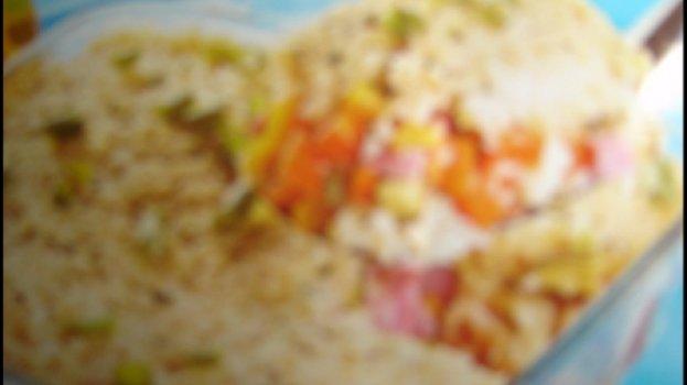 Torta de arroz com legumes, presunto e queijo
