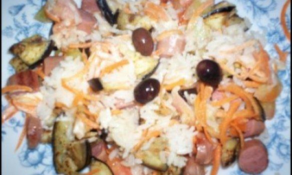 Salada de arroz,salsicha e beringela
