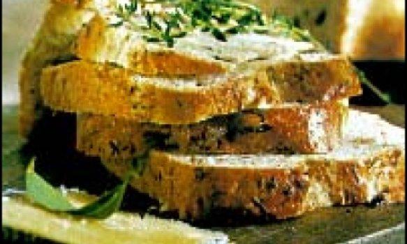 Pão de azeitonas e queijo