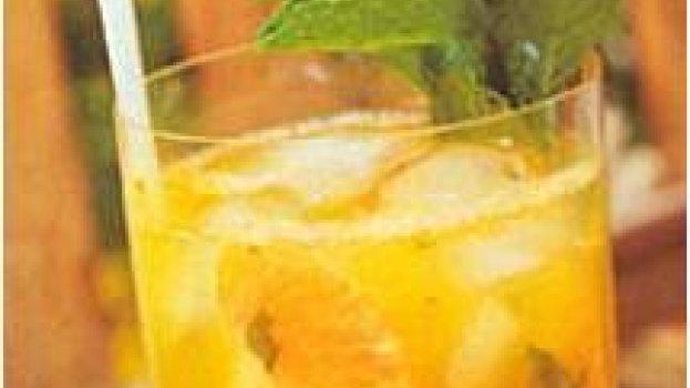 Saque, tangerina e hortelã