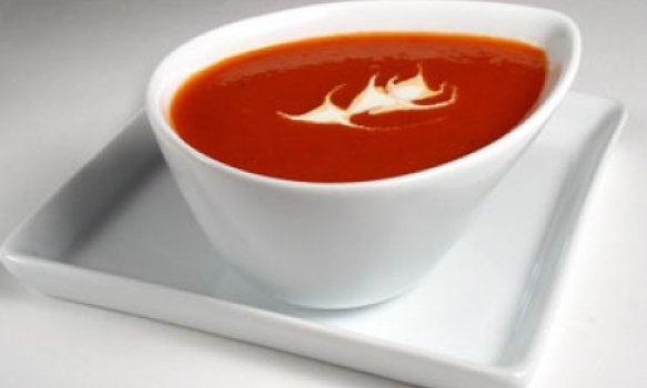 Sopa de Beterraba (Red Blues Soup)