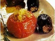 Tomate e beringela recheados