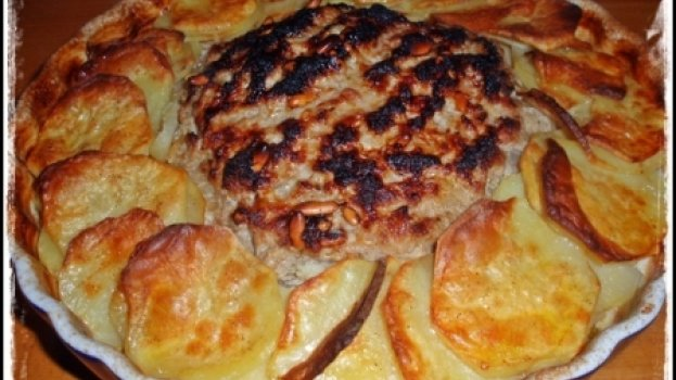Rosa de batatas e carne