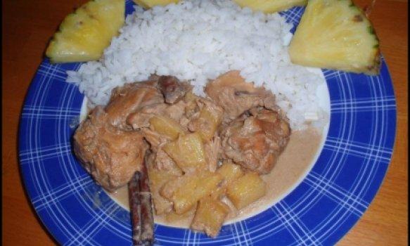 Frango Exótico com Coco e Abacaxi