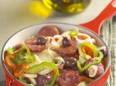 Linguiça com batata e pimentão