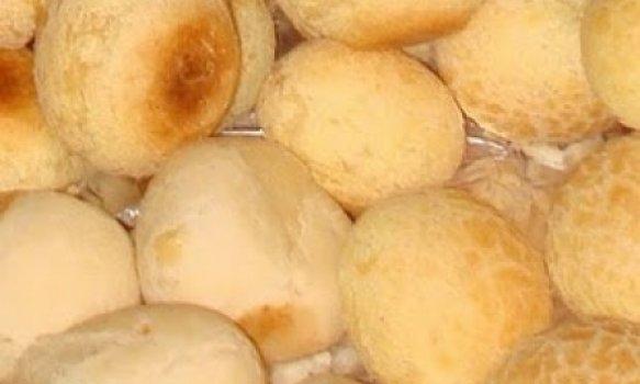Pão dequijo com batata temperada