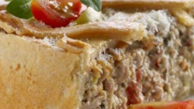Torta de salpicão de frango com pão de forma