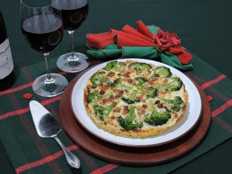 Pizza de Macarrão com Brócolis