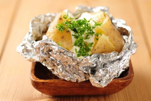 Baked Potatoes com Molho de Provolone | Aline Fonseca