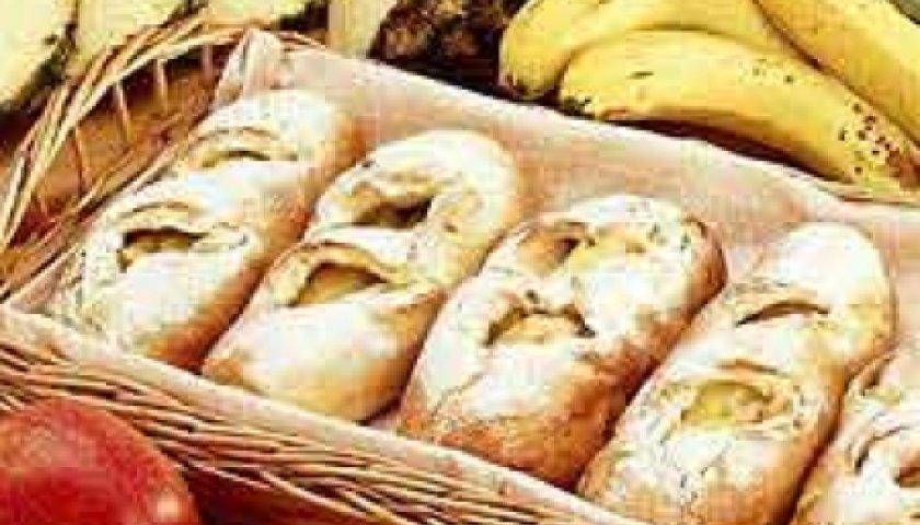 Pão Doce com Recheio de Banana