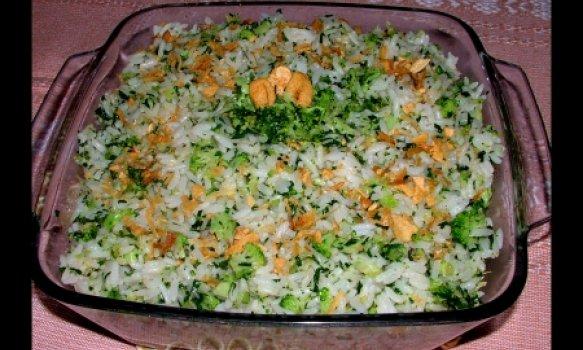Arroz com brócolis ao alho