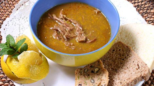Sopa de Cordeiro com Laranja e Hortelã