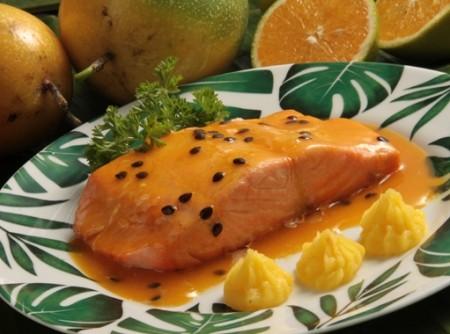 Filá de salmão ao Molho de Maracujá e Laranja