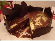 Torta de chocolate com surpresa de avelã   Luiz Lapetina
