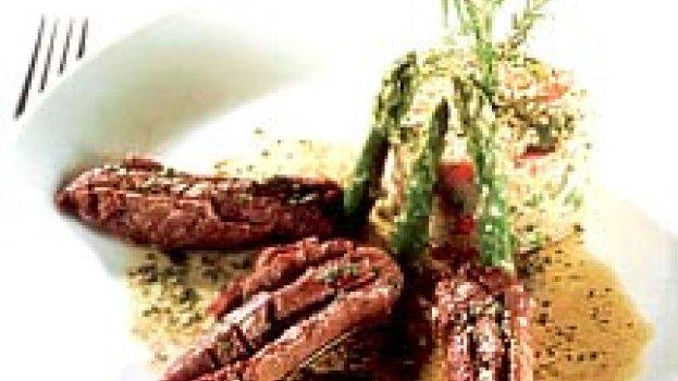 Couscous Marroquino com Filé de Cordeiro ao Molho de Ervas