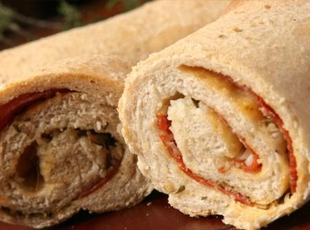 Pão de Aveia com Pepperoni | Douglas Aby Saber
