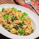 Quinoa com Frango Desfiado e Brocólis