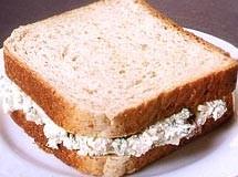 Sanduíche Natural de Frango com Ricota e Passas