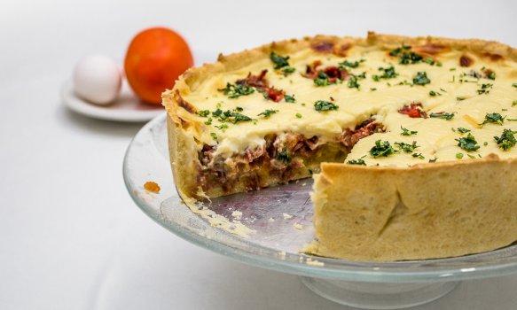 Torta de Mandioquinha e Carne Seca