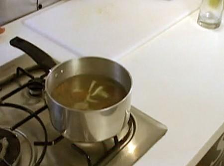 Como Fazer Caldo de Carne