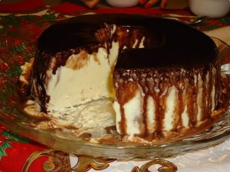 Gelado de Creme com Calda de Chocolate | Simone FL