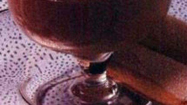 Potes de Chocolate ao Cherry Brandy