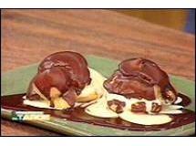 Carolinas com Cobertura de Chocolate e Sorvete