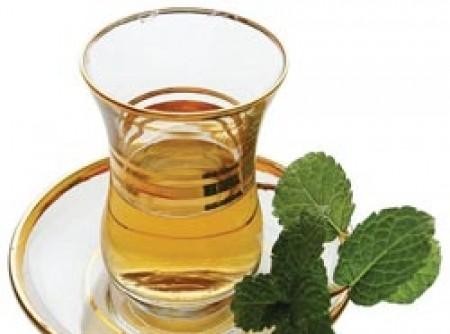 Sopa desintoxicante com chá verde ou chá branco ou banchá | Larissa Oliveira