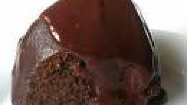 Bolo de Chocolate com Maçã e Cobertura de Café